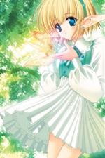 나무 아래에서 애니메이션 엘프 소녀