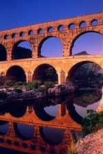 Preview iPhone wallpaper Pont du Gard Languedoc-Roussillon in France