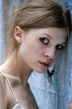 Clemence Poesy 01