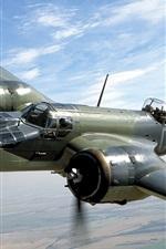 Aircraft altitude flight