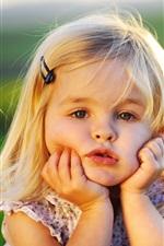 Menina bonito do bebê