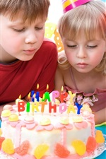 Preview iPhone wallpaper Lovely children celebrate birthday