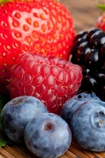 Preview iPhone wallpaper Strawberry raspberry blackberry blueberry berries