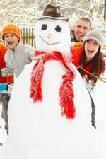 Divertido boneco de neve do inverno