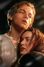 Preview iPhone wallpaper Leonardo DiCaprio and Kate Winslet in Titanic