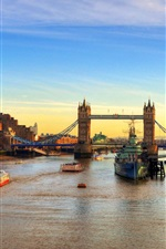 Preview iPhone wallpaper England London bridge river ships at sunset