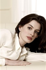 Preview iPhone wallpaper Anne Hathaway 04