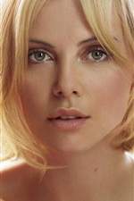 Charlize Theron 04