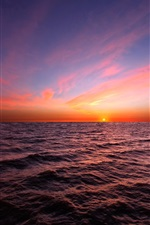 Preview iPhone wallpaper The horizon of the sea, beautiful sunset sky