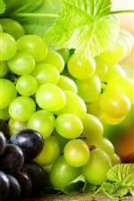 Preview iPhone wallpaper Delicious green grapes and red grapes