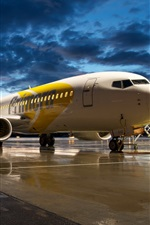Preview iPhone wallpaper Aviation airport Boeing 737 aircraft