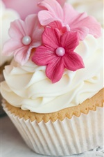 Preview iPhone wallpaper Delicate craft, carved flowers cream cake dessert