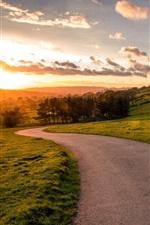 iPhone fondos de pantalla Sunset paisaje, carretera, montañas, cielo, nubes