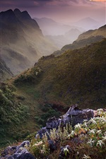 Preview iPhone wallpaper Limestone mountains, Chiang Mai, Thailand scenery