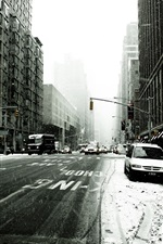 Preview iPhone wallpaper New York street in winter
