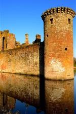 United Kingdom, Scotland, castle, lake, water reflection