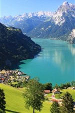 Suíça Morschach paisagem, montanhas, rochas, neve, lago, floresta, casa