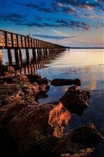 미리보기 iPhone 배경 화면 해안의 일몰 풍경, 바다, 부두, 나무 다리, 바위, 빨강, 하늘,