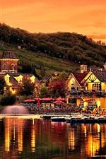 미리보기 iPhone 배경 화면 산 경사면, 주택, 호수, 연못, 저녁, 일몰