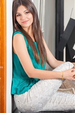Preview iPhone wallpaper Victoria Justice 12