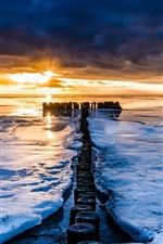 Preview iPhone wallpaper Sea, winter, ice, sunset, horizon