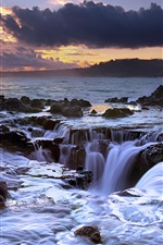 Preview iPhone wallpaper The ocean flowing back, sunset, Hawaii