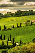 Preview iPhone wallpaper Umbria, Italy, nature landscape, hill, house, trees, green, sky, clouds
