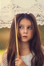 Criança bonito, menina do cabelo longo, guarda-sol
