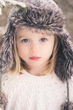 Cute menina, criança, loira, neve do inverno
