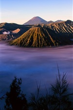 Preview iPhone wallpaper Indonesia, Java, volcano Tengger, morning, fog