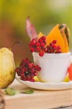 iPhone обои Натюрморт, книга, груши, листья, чашка, блюдце, ягоды
