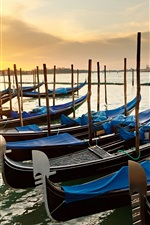 Preview iPhone wallpaper Venice, Italy, morning, sunrise, canal, pier, boats