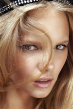 Preview iPhone wallpaper Marloes Horst 02