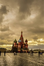 Preview iPhone wallpaper Moscow, Red Square, dusk, cloudy sky