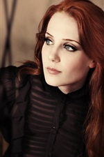 Preview iPhone wallpaper Simone Simons 01