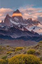 Preview iPhone wallpaper Argentina, Chile, Mount Fitz Roy, mountains, clouds, dusk