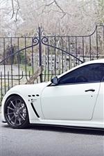 Preview iPhone wallpaper Maserati Granturismo white car side view