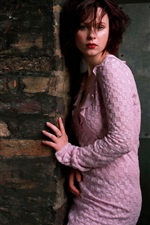 Preview iPhone wallpaper Thora Birch 01