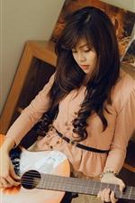 Menina asiática, guitarra, quarto, música