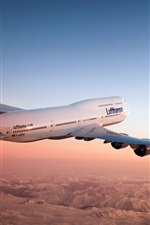 Preview iPhone wallpaper Boeing 747 aircraft in the dusk