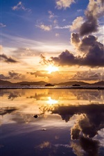 iPhone fondos de pantalla China, bahía, cielo, nubes, barcos, reflexión, crepúsculo