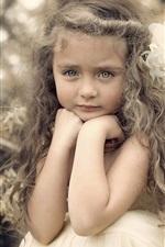 Bela menina bonito, retrato, cachos, flor