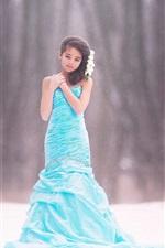 Menina de vestido azul, crianças, neve, bokeh