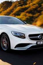 2015 Mercedes-Benz S63 AMG car speed