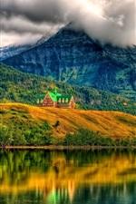 Nuvens, montanhas, casa, floresta, árvores, lago, reflexão da água
