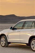 Preview iPhone wallpaper BMW X5 xDrive30d white SUV car