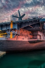 Preview iPhone wallpaper San Diego, USS Midway, sunset