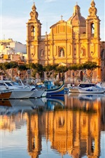 Preview iPhone wallpaper Valletta, Malta, water reflection, boats, houses