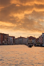 Preview iPhone wallpaper Venice, Italy, houses, city, river, evening, boats, dusk