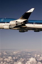 Preview iPhone wallpaper Boeing B-747 plane flight height